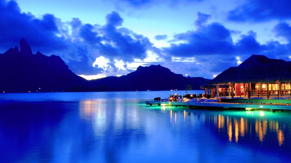 Bora Bora-exterior-night