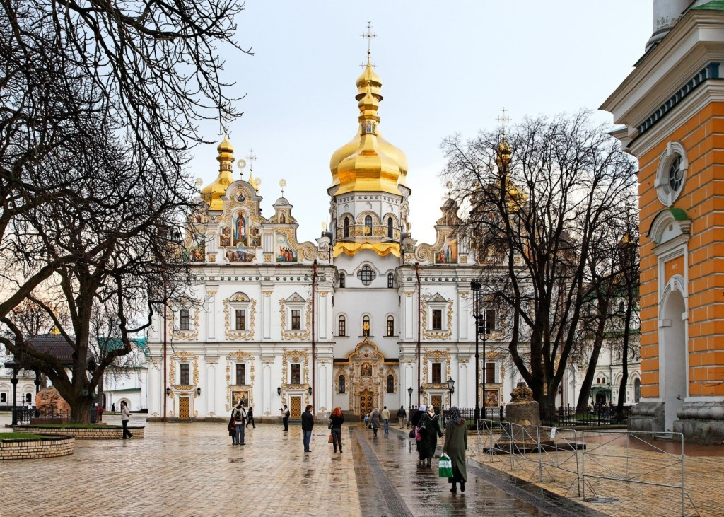 Ukraine-dormition-cathedral-in-pechersk-lavra-in-kyiv