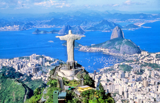 Rio de Janeiro (RJ)Vista aerea do Cristo Redentor e parte da cidade
