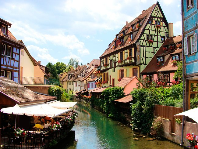 667596-colmar-france-escape