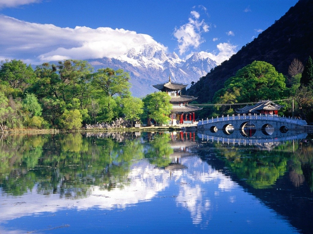 Black-Dragon-Pool-Lijiang-Yunnan-China