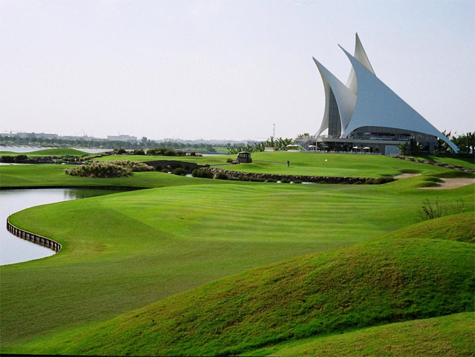 Dubai-Creek-Golf-2526-Yacht-Club