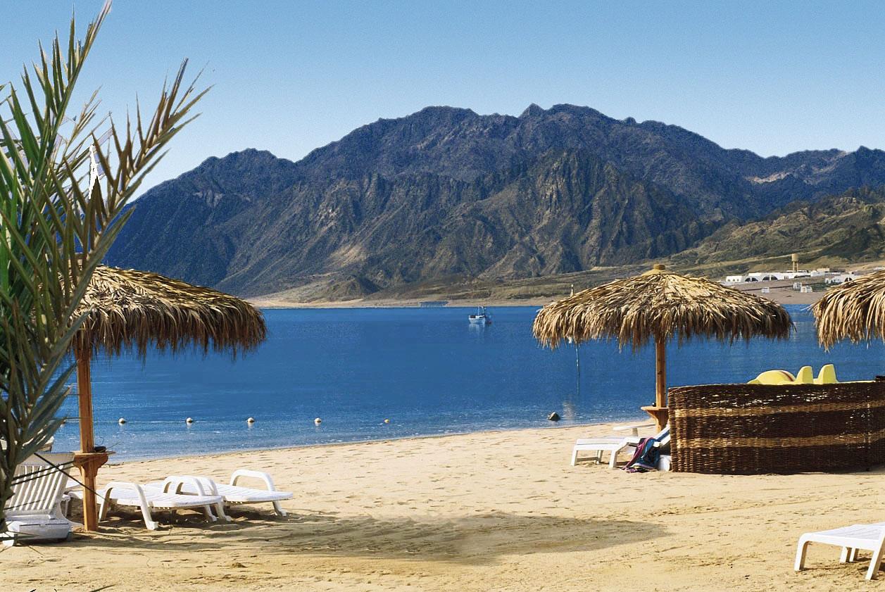 Holiday-In-Sharm-El-Sheikh-beach