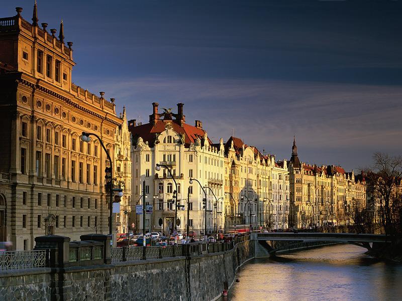 Vltava-River-252C-Prague-252C-Czech-Republic