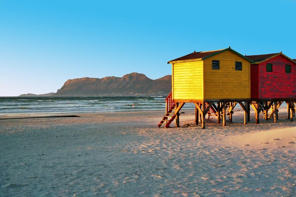 eventus-magazine-beach-huts-muizenberg1