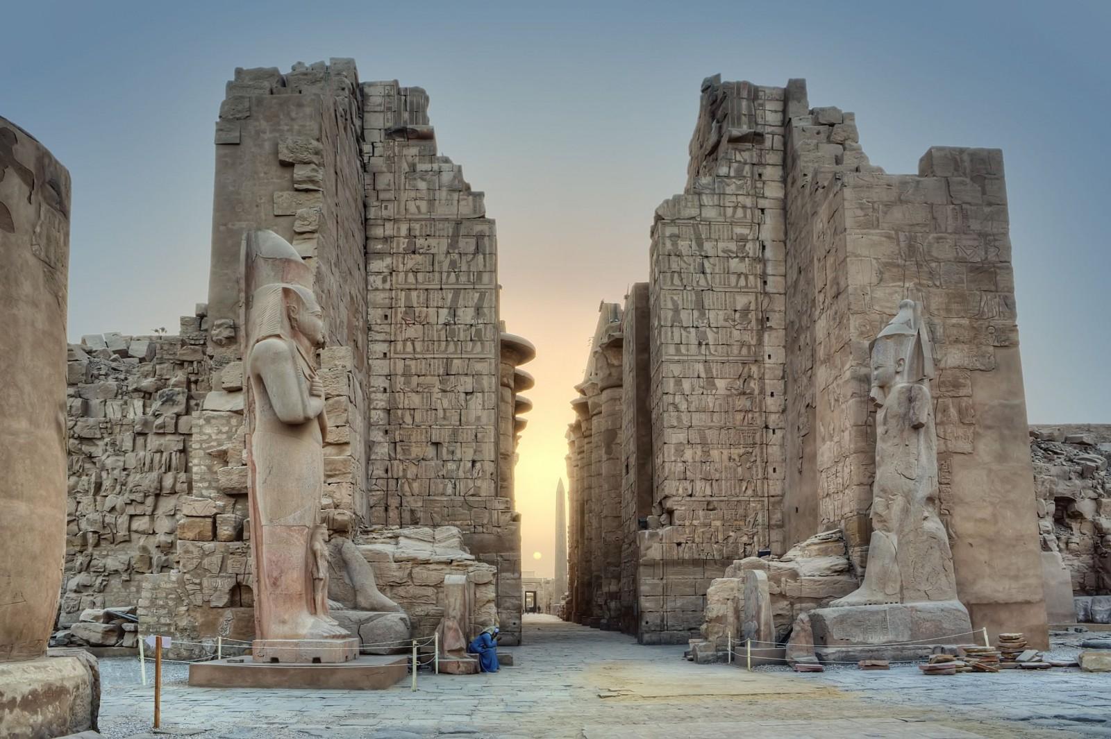 sunrise-in-karnak-temple-luxor-egypt