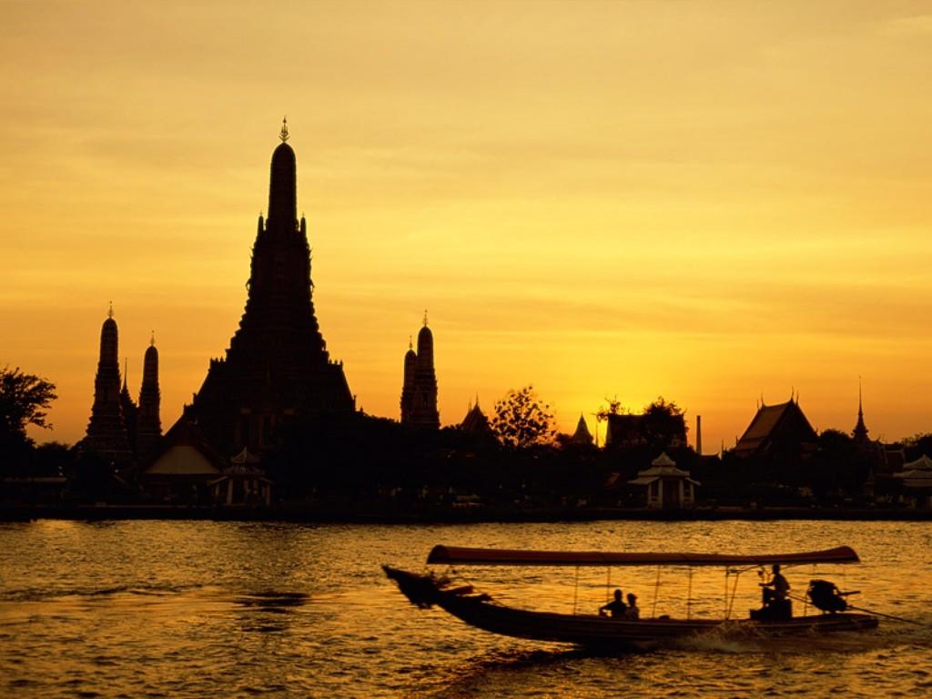 wat_arun_bangkok_thailand