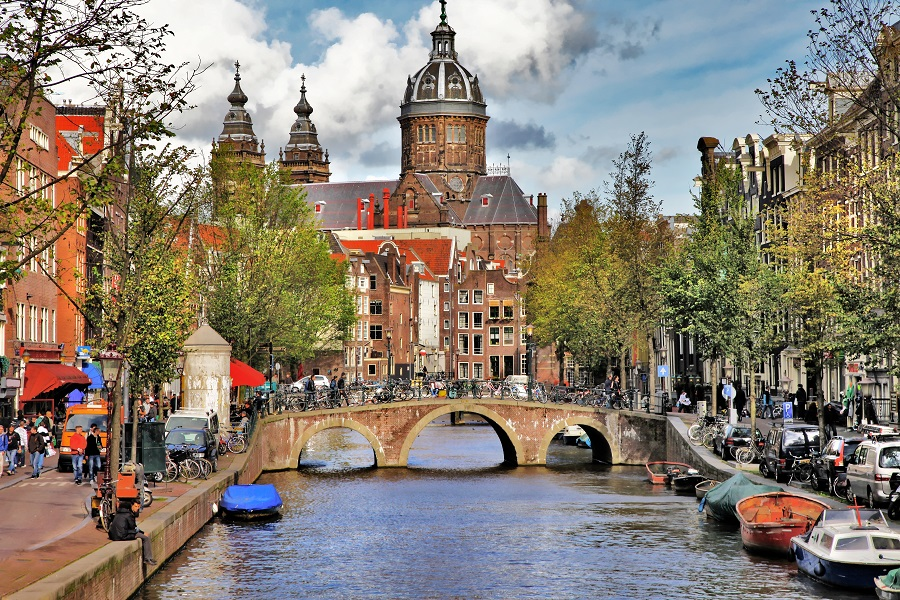 Image_Amsterdam_by_day
