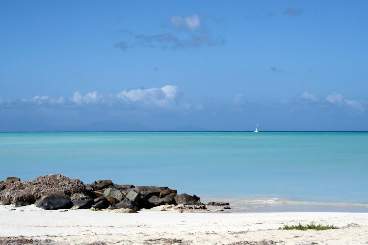 Antigua-beach-view