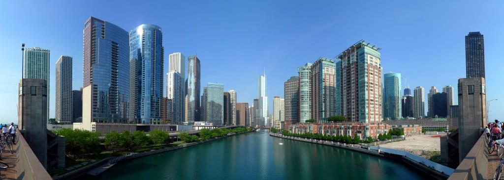 Buildings_along_Chicago_River_line