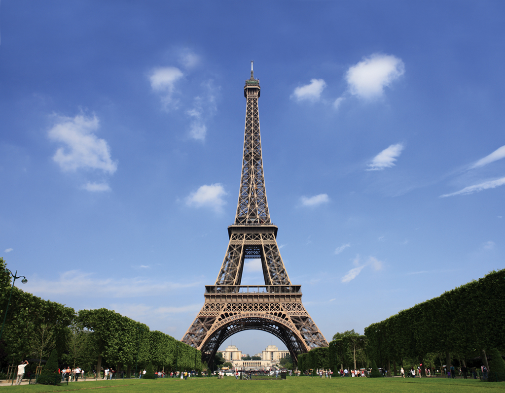 Eiffel_Tower,_Paris
