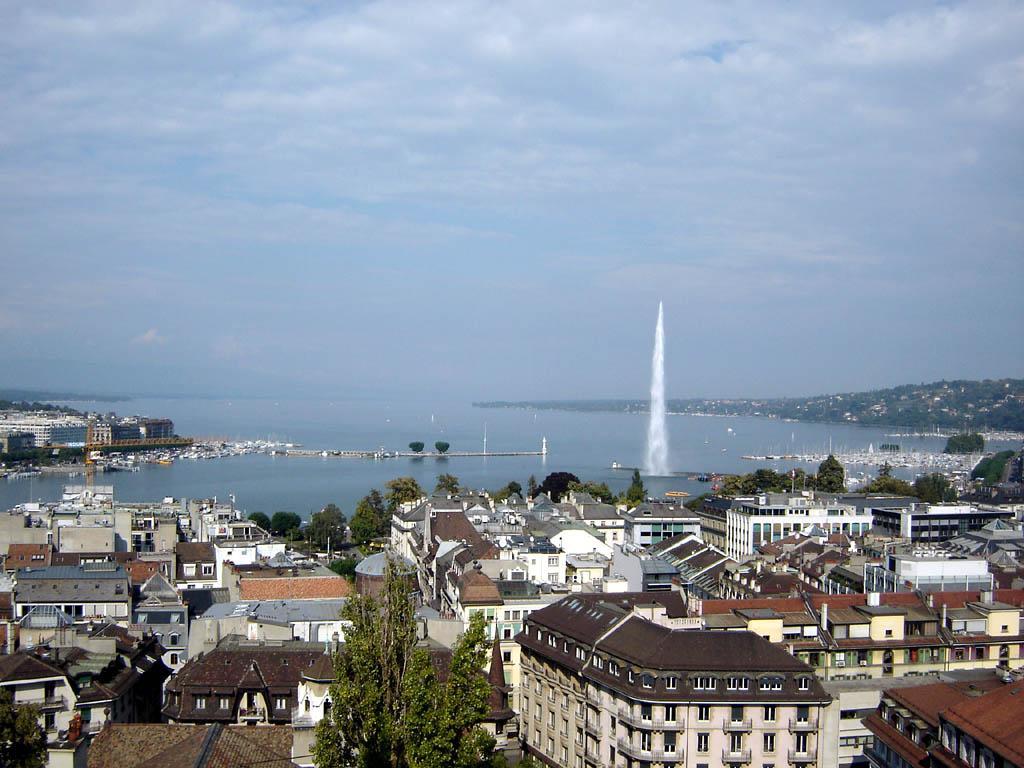 Jet_d-Eau_-_Geneva_-_Switzerland_-_September_2005_-_03