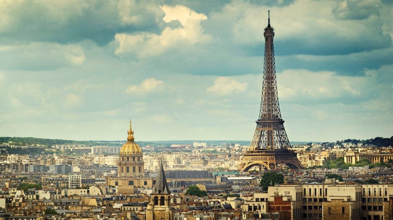 Paris france the city of lights tourist destinations for Top hotel france