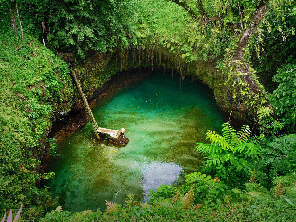 To-Sua-Ocean-Trench-Upolu-Western-Samoa