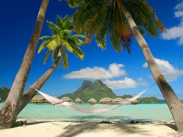 Tropical-Sleepaway_-Bora-Bora_-French-Polynesia
