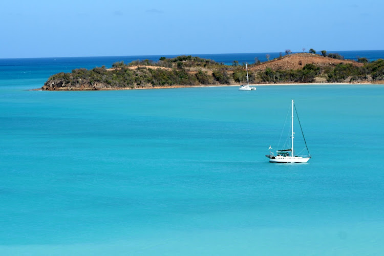 antigua-sea