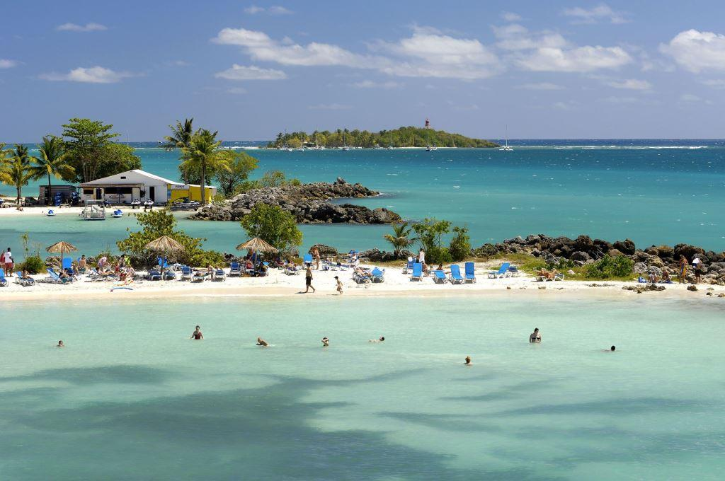 Guadaloupe island caribbean tourist destinations for Hotels guadeloupe