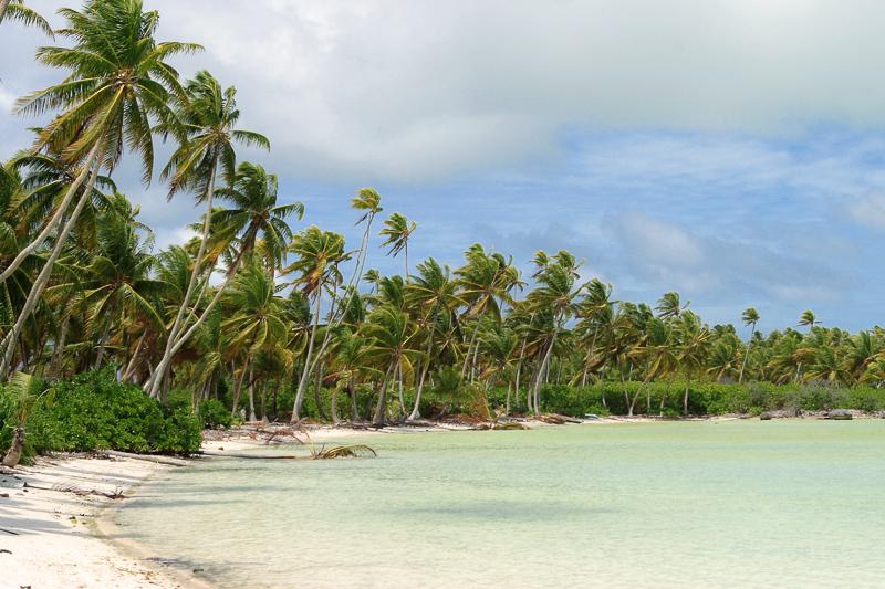 Auf der traumhaften Insel Butaritari gibt es neben paradiesischen Buchten auch Relikte aus dem Zweiten Weltkrieg zu besichtigen