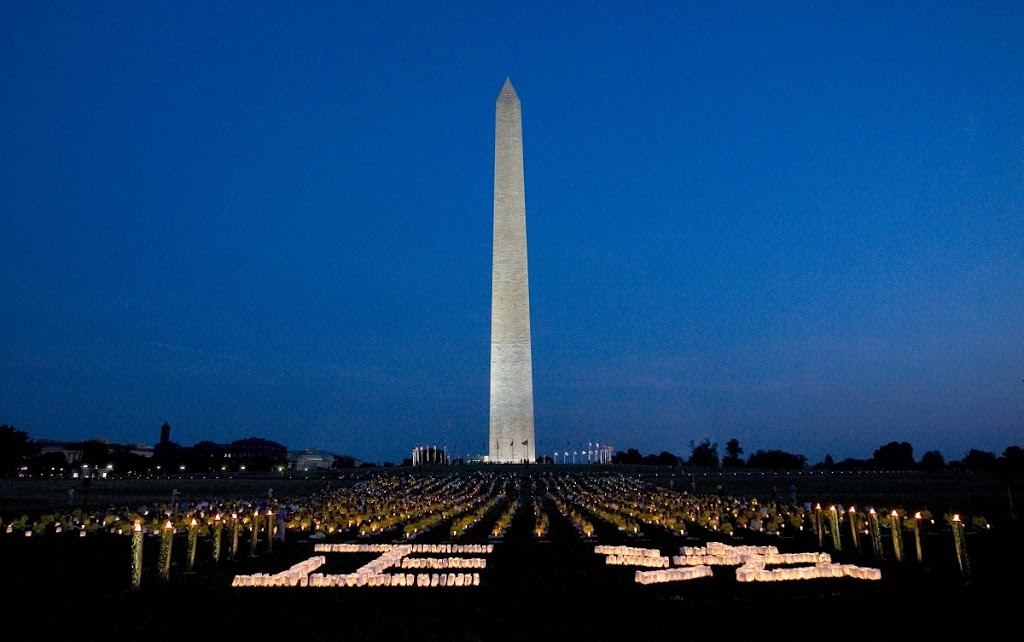 washington-monument-at-night