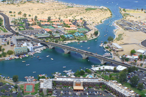 London_Bridge_at_Lake_Havasu
