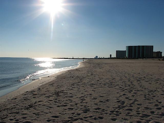 Mississippi-deserted-beach