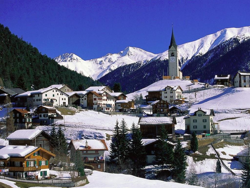 Small-Village-Graubunden-Switzerland