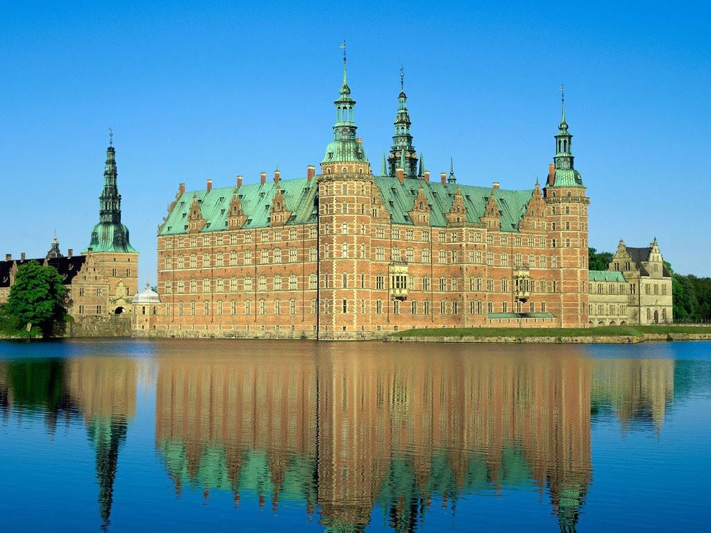 Denmark-252C_Frederiksborg_Castle