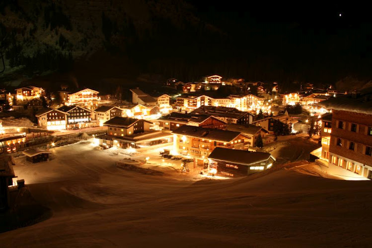 Lech-austria-night