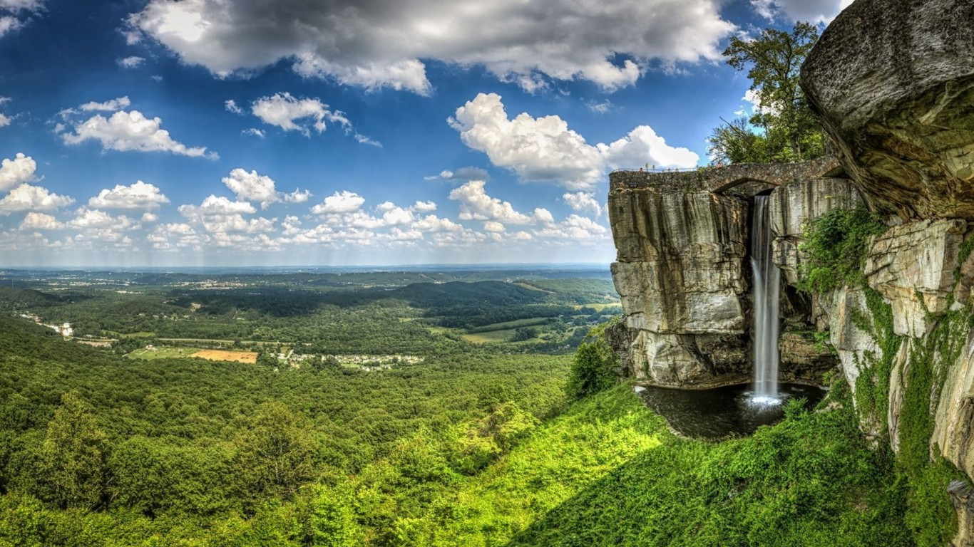 clouds-rock-city-waterfall-georgia-usa-tennessee-lookout-mountain-nature