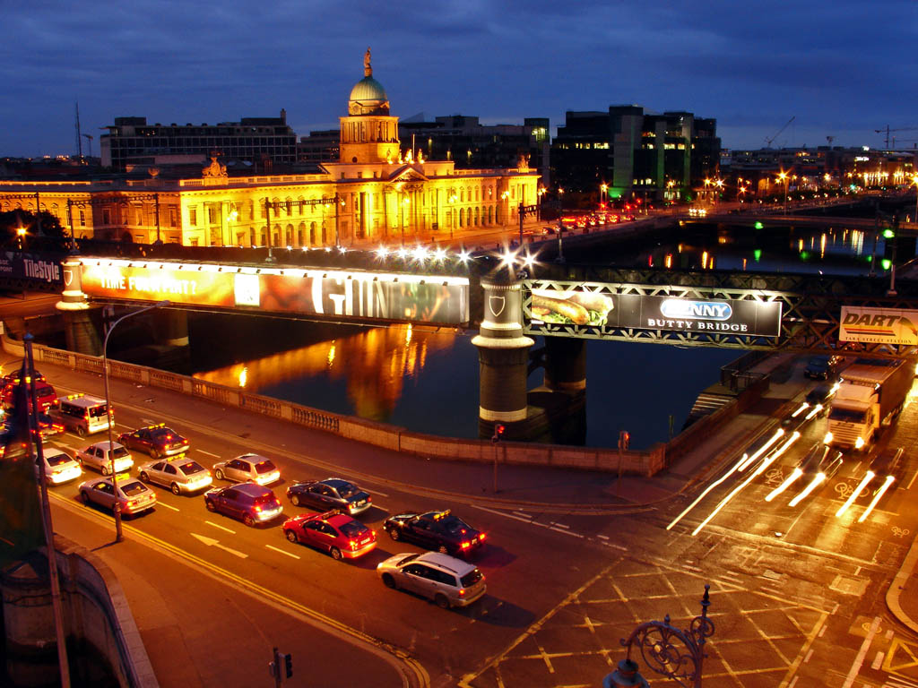 dublin-ireland-night