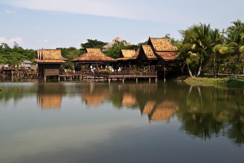 Cambodian_Cultural_Village