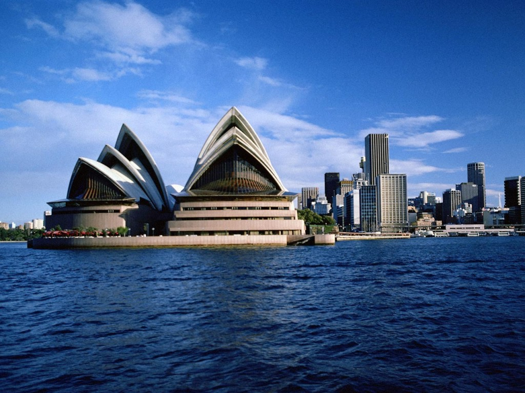 Australia travel info and travel guide tourist for Historical vacation spots in the south