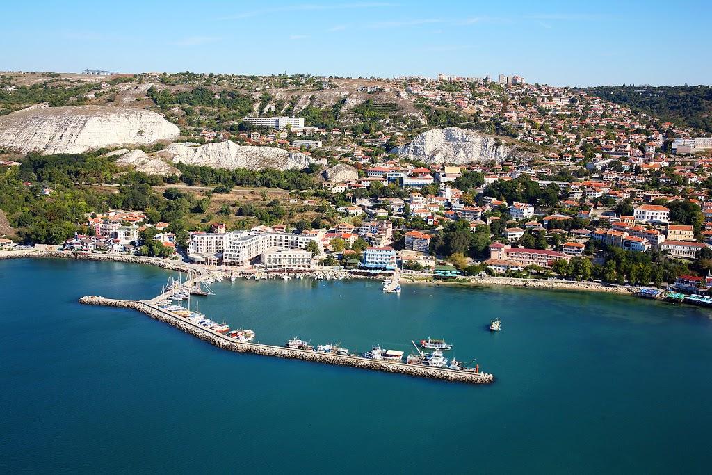 Balchik_Bulgaria_aerial_photo_from_the_Black_Sea
