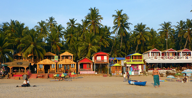 Beach-Huts-on-Palolem-Beach-Goa