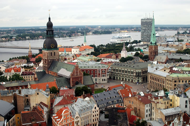 riga-full-latvia-travel