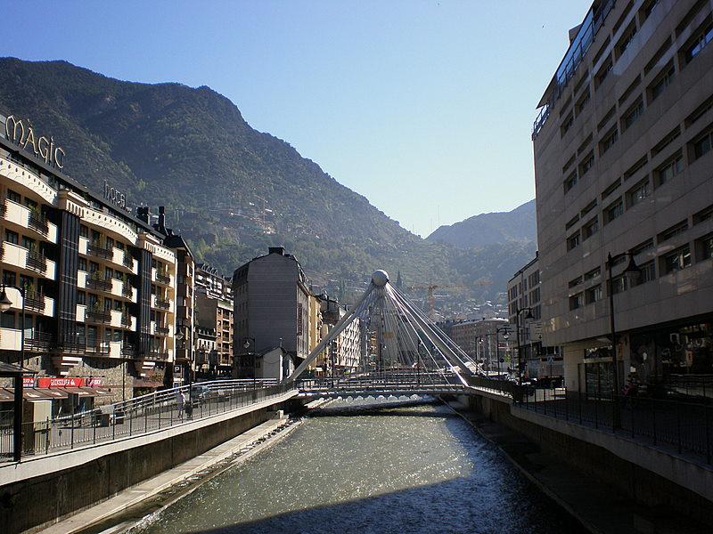Andorra_la_Vella-_Valira_river