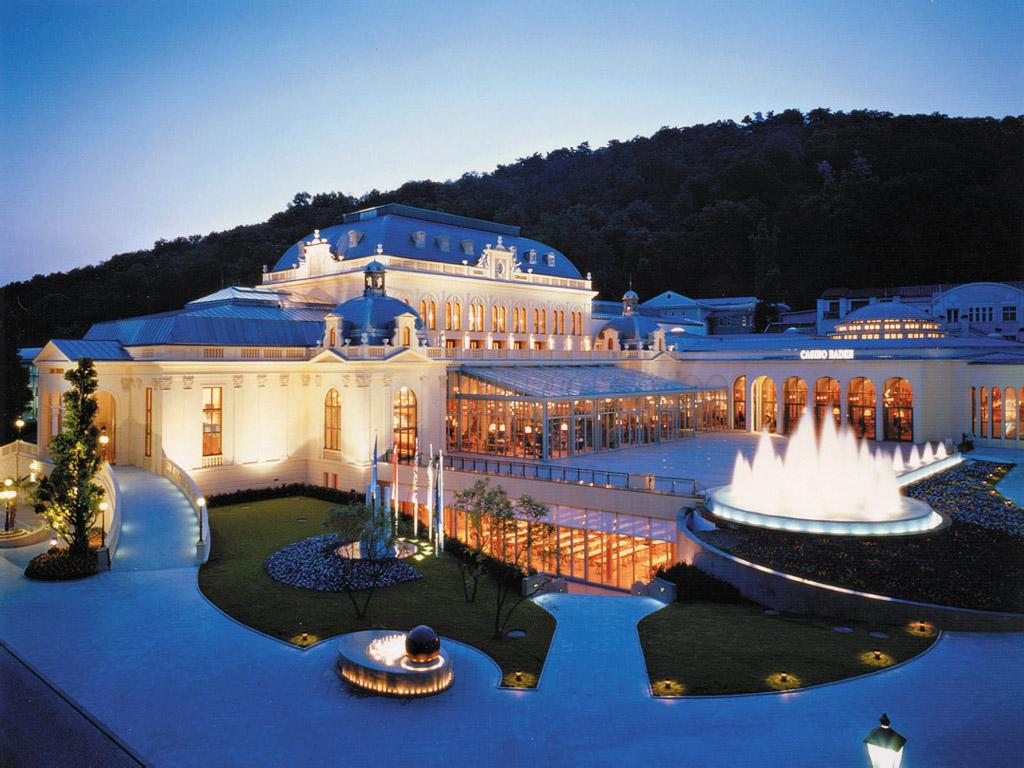 Congress_Casino_Baden_at_Night-_Baden-_Austria