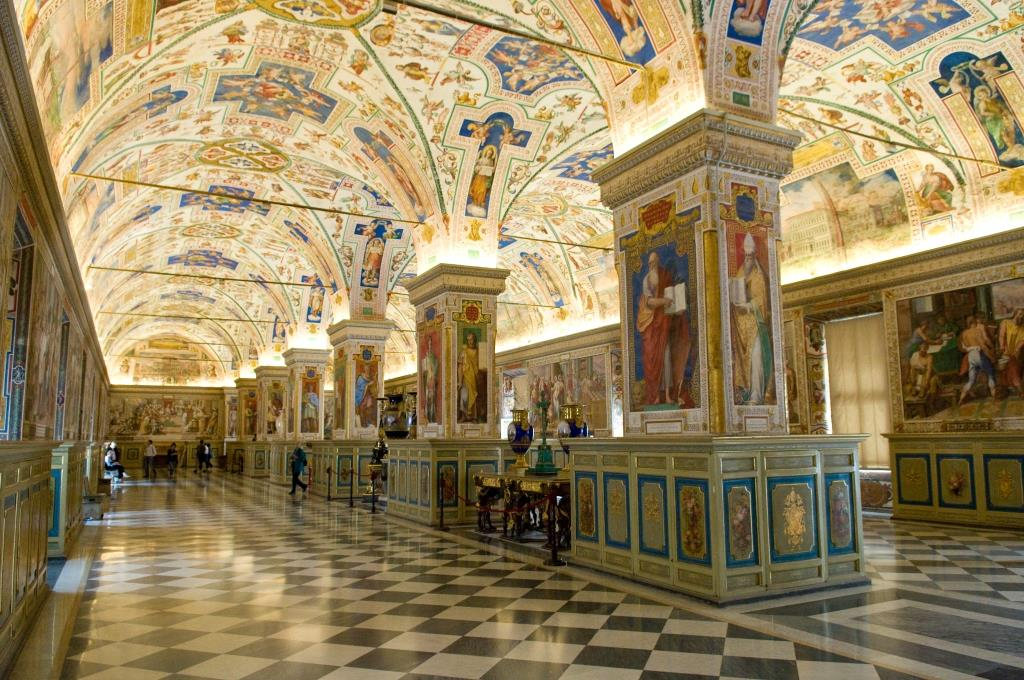 The_Sistine_Hall_of_the_Vatican_Library
