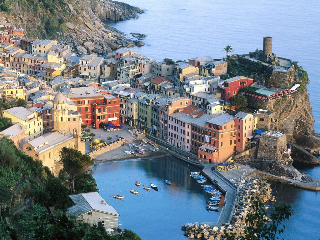 Vernazza_Cinque_Terre_Liguria_Italy