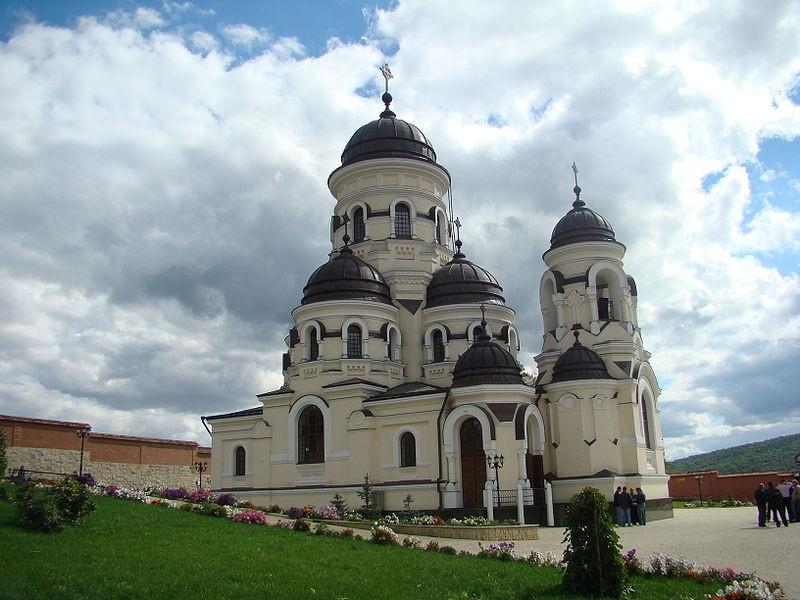 monastery_in_Moldova