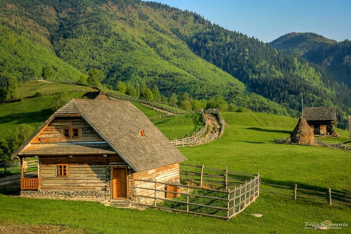 roaming-romania-tour-scenery