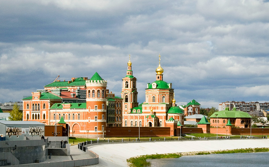 yoshkar-ola-russia-city-embankment