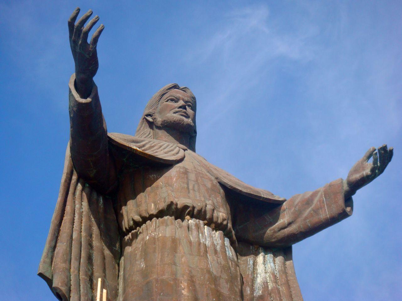 Jesus-Statue-East-Timor