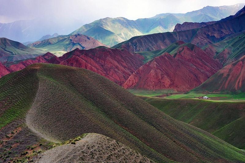 kyrgyzstan-landscape-beautiful1