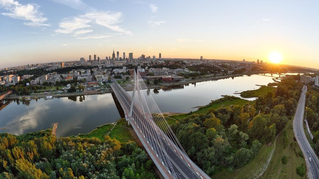 High-Resolution-Summer-sunset-over-the-Warsaw-Wallpaper