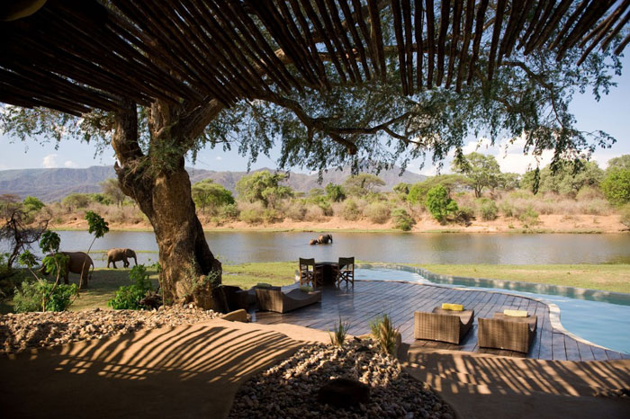 Chongwe-River-House-african-safari-zambia-hotel-elephant