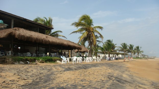 Liberia_at_the_beach_1
