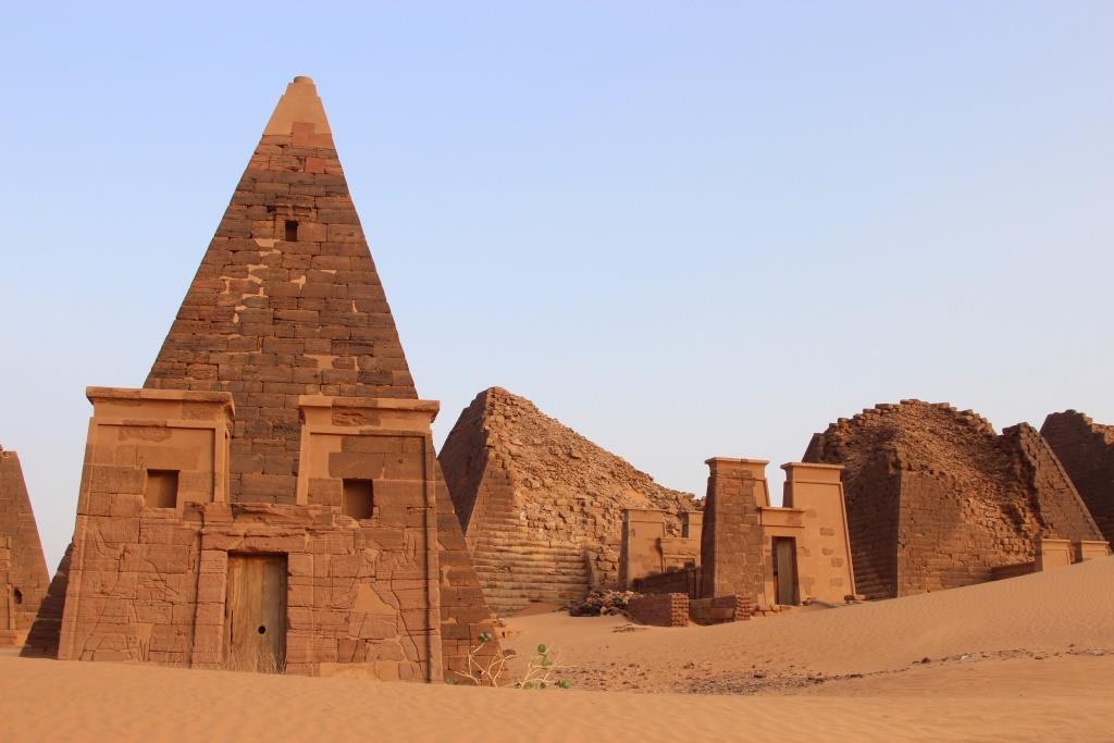 Meroe-Pyramids-Sudan-13
