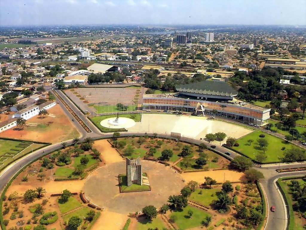 Panorama_of_Lome_city_2_Togo