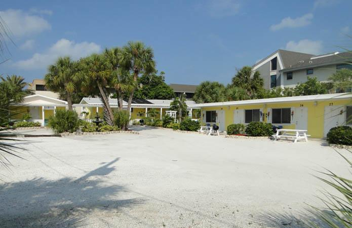 Tropical_Breeze_Homes_Beach_5 Anna Maria Island